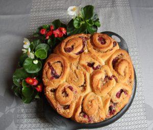 Rosenkuchen aus Hefeteig zum Muttertag